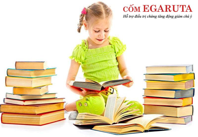 Khuyến khích trẻ tăng động chậm nói đọc sách nhiều hơn